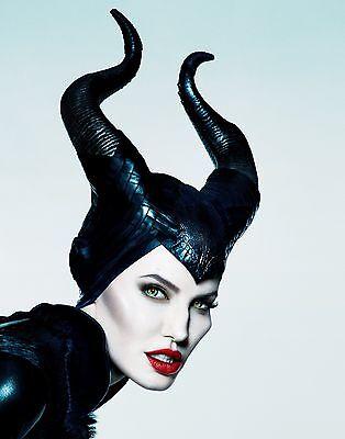 Angelina Jolie Unsigned 16x20 Photo (109)
