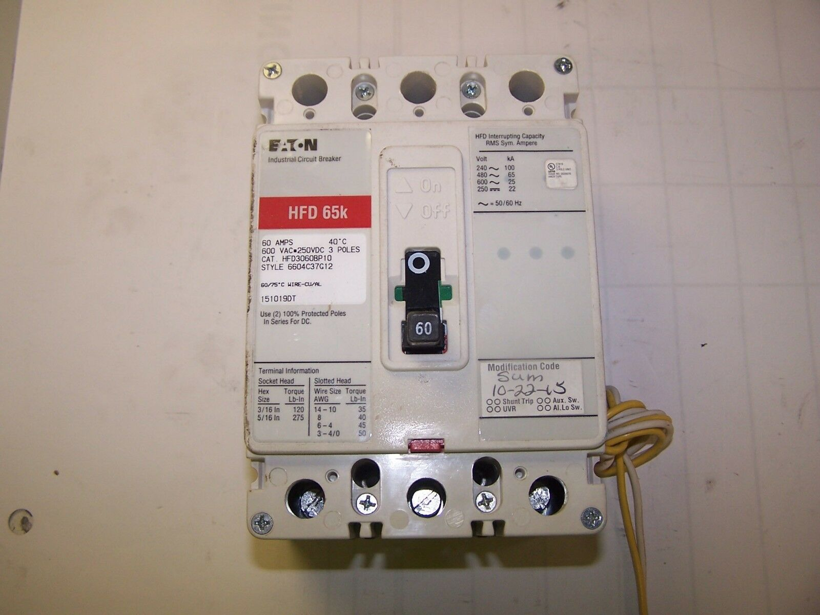 Nice Eaton Cutler Hammer HFD3060 BP10 3 Pole 60 Amp Circuit Breaker