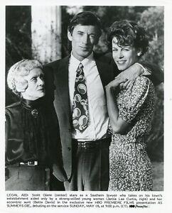 JAMIE-LEE-CURTIS-BETTE-DAVIS-SCOTT-GLENN-SMILE-AS-SUMMERS-DIE-1988-HBO-TV-PHOTO