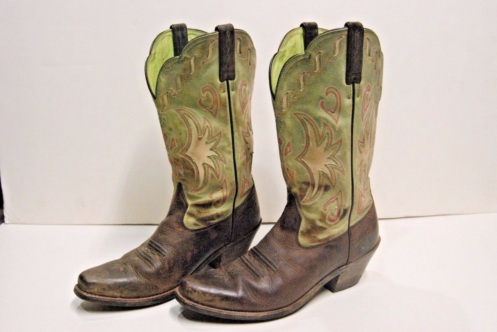 Ariat Boots size 7.5 Style 15571 Western cowboy boots