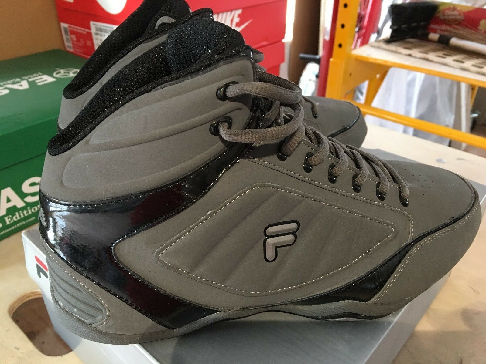 FILA Change the Game 3 9M US Gris MINT FREE Shipping in USA
