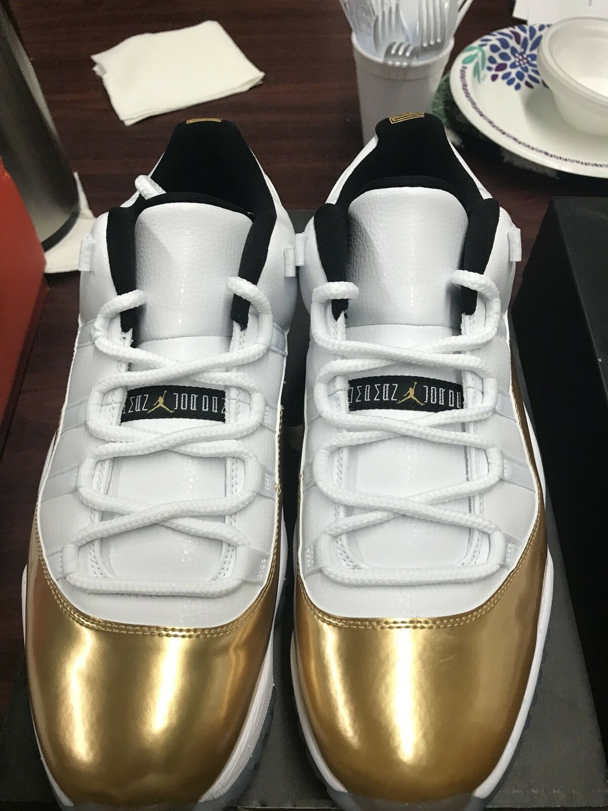Nike Air Jordan Retro 11 Low Closing Ceremony Gold Bred Toe Royal Shadow