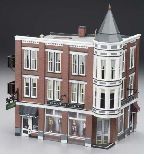 Woodland Scenics O BR5847 Built and Ready Davenport Department Store