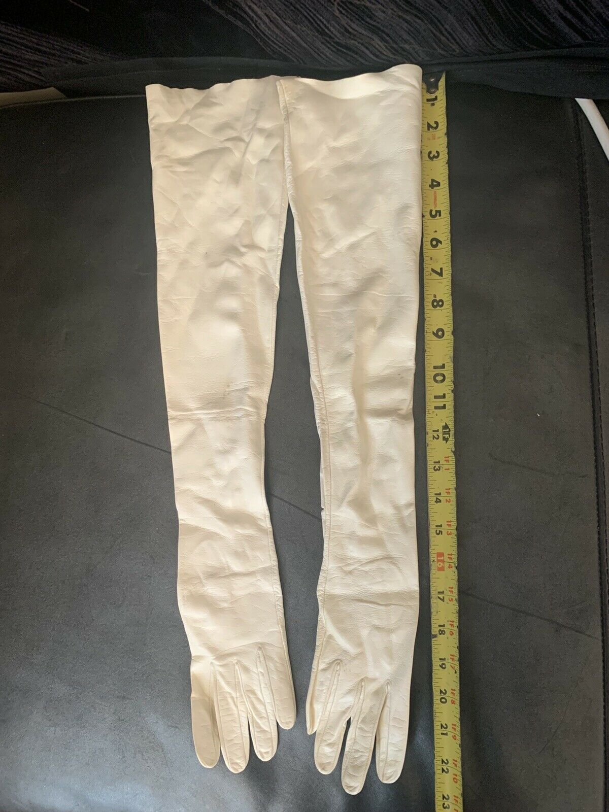 Vintage Lavabile White Italian Leather Opera - Length Formal Gloves