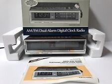 Realistic Chronomatic 245 Wood Grain Am Fm Dual Alarm Clock Radio Model 12 1552
