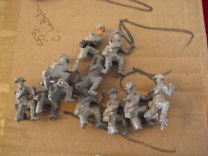 Lot-of-10-Vintage-Lead-Soldier-Figurines-1-1-2-034-LOOK