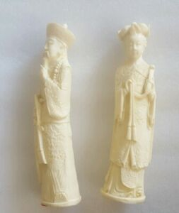 Vintage-Hand-Carved-Resin-Chinese-Emperor-amp-Empress-Sculpture-Figures