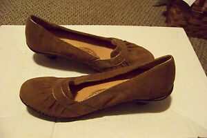 womens-sofft-brown-suede-leather-gathered-slip-on-heels-shoes-size-8