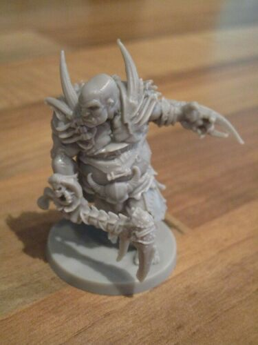 Massive Darkness by CMON Lightbringer Kickstarter Figures Tracked UK Post