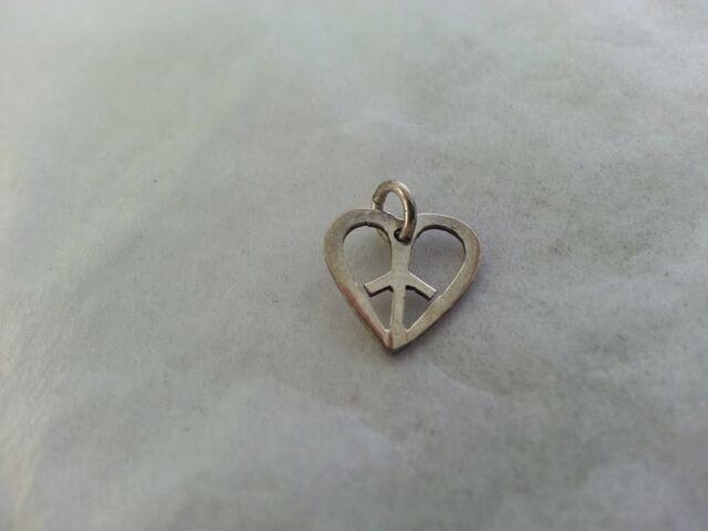 Beautiful Peace Sign in Heart Pendant 925 Sterling Silver 4 Charm Bracelet