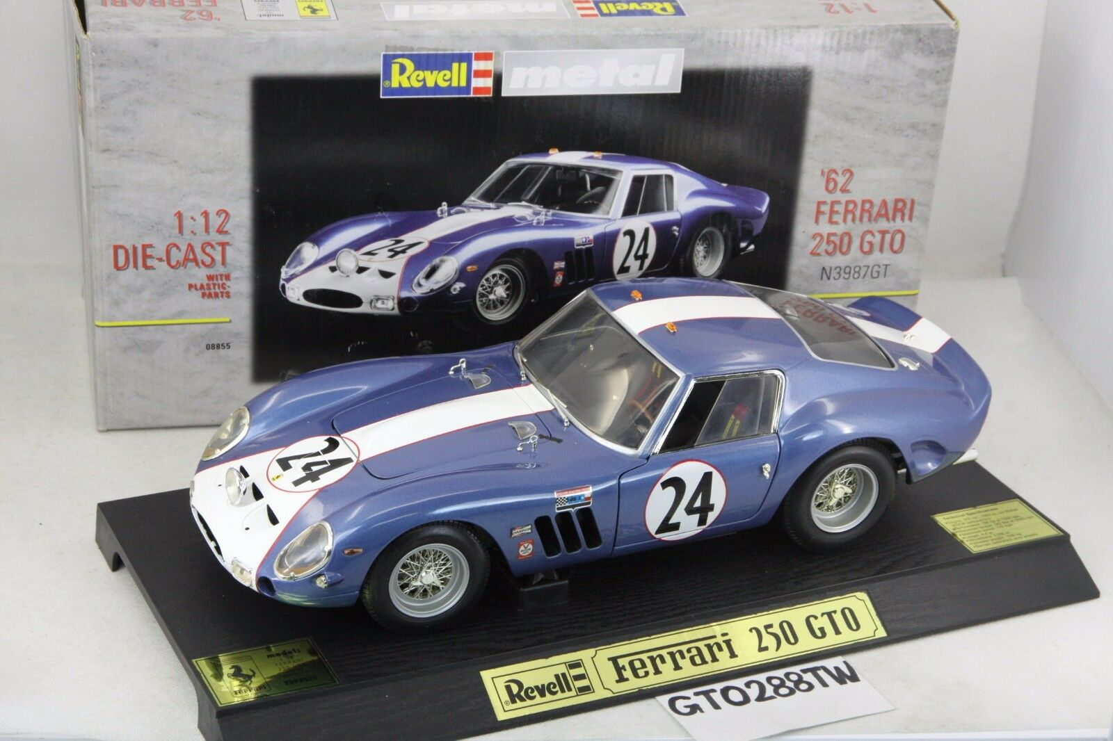 Revell 1 12 scale Ferrari 250 GTO 1962 Sebring 12Hr winner  24 die-cast model