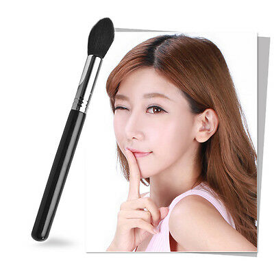 WDS Chic Makeup Brush For Blending Highlighter Contour Face Eye Shadow Brand New
