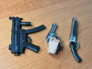 HOT-TOYS-1-6-MMS199-RESIDENT-EVIL-AFTERLIFE-ALICE-PISTOL-MACHINE-GUN-FIGURE