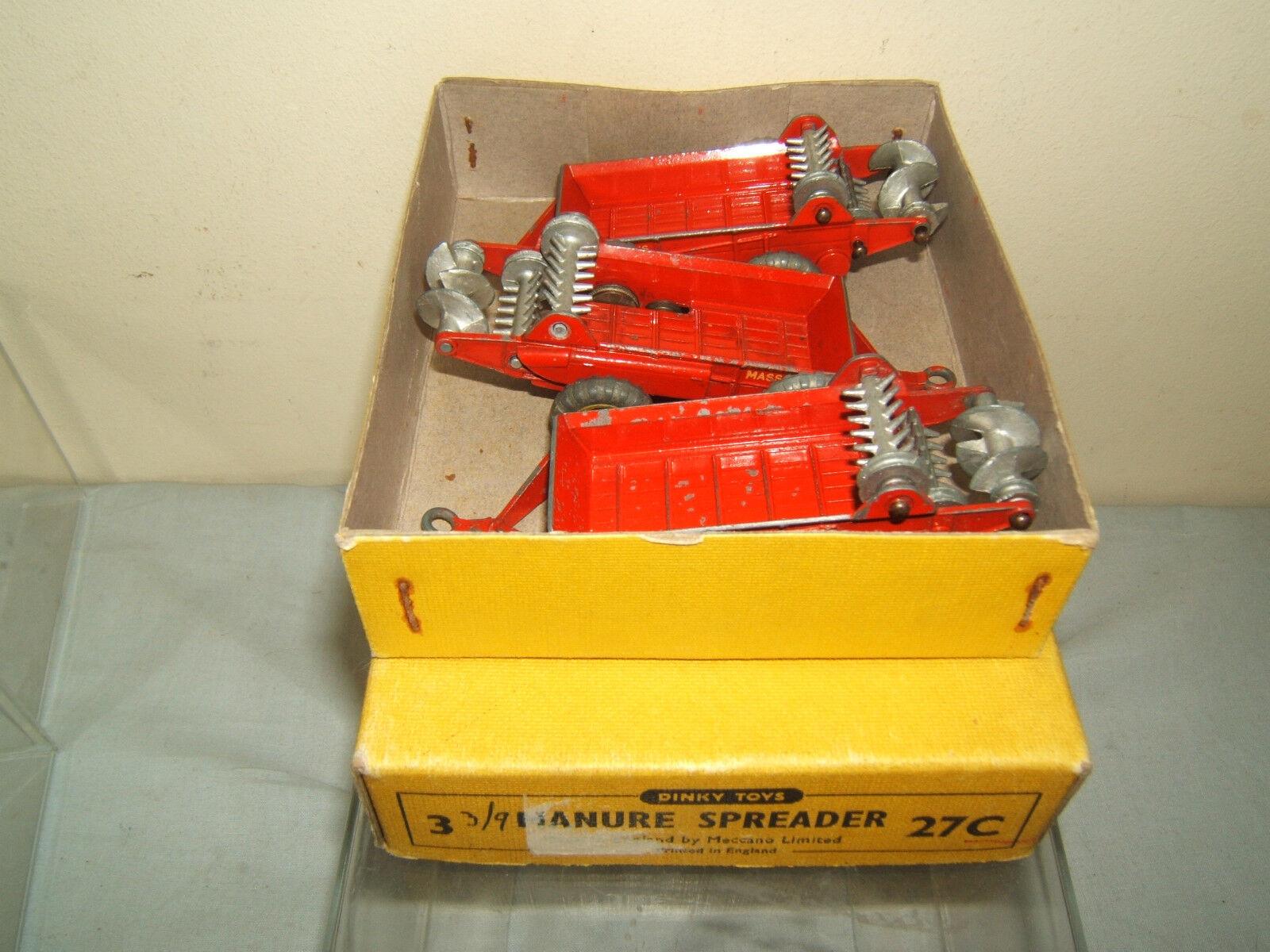 DINKY TOYS MODEL No.27c  3 x MANURE SPREADERS SPREADERS SPREADERS IN TRADE BOX a7166f