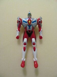 1994-ULTRAMAN-WITH-ARMOR-AND-SHIELD-DIC-PRODUCTS-PLAYMATES-TOYS