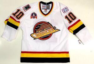 PAVEL BURE VANCOUVER CANUCKS CCM NHL VINTAGE 1994 STANLEY CUP JERSEY ... 4b024ba22