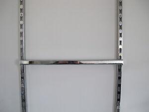 Begehbarer-Kleiderschrank-LC10-Tragrahmen-Rueckwandsystem-Kleiderschrank