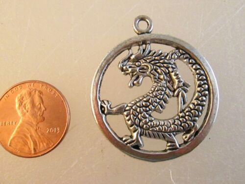 Antique Silver Color Metal Pendant Necklace USA Dragon Circle Charm