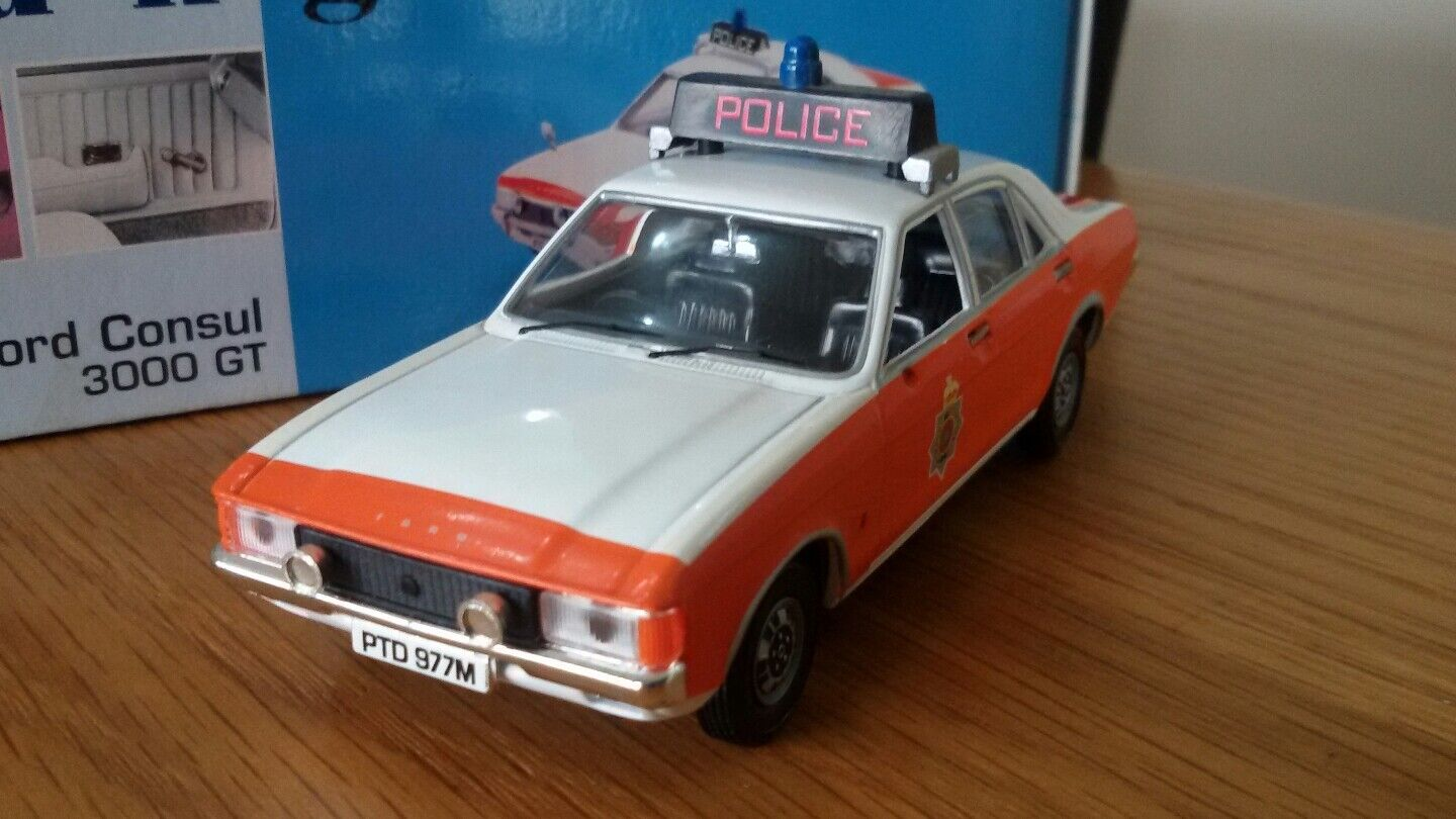 Diecast 1 43 Vanguard Lancashire Police Ford Consul 3000GT Perfect Boxed VA05500