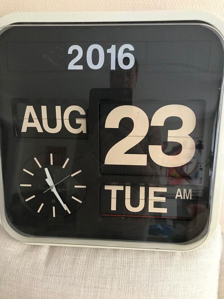 Vægur, Quartz Clock