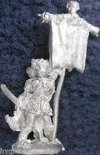 1984 RR4 Mengil Manhides Dark Elves Regiments of Renown Manflayers Standard Drow