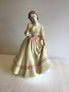Lovely-Royal-Doulton-Figurine-HN3354-Yours-Forever-Rare-1992-First-Issue