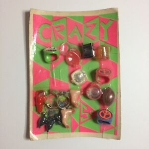 Vintage-Pack-Of-Gumball-Machine-Toy-Charms-Peace-Sign-Rings-16-Charms-Total