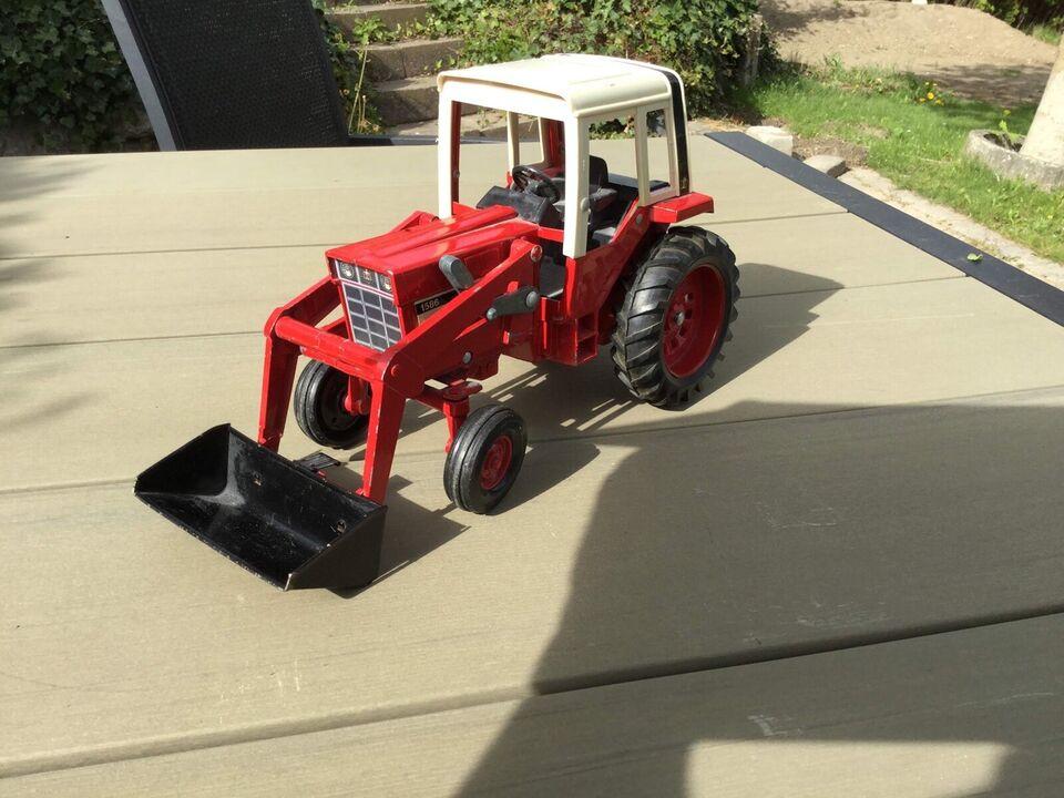 Traktor, Traktor, IH International