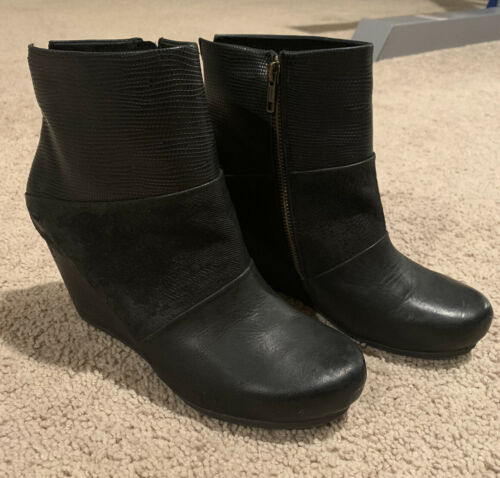OTBT Women's Dharma Wedge Ankle Boot Black Leather