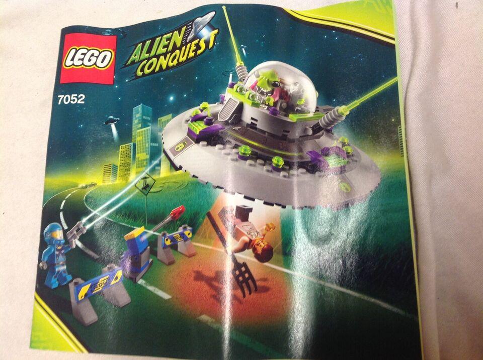 Lego Alien conquest, 7052
