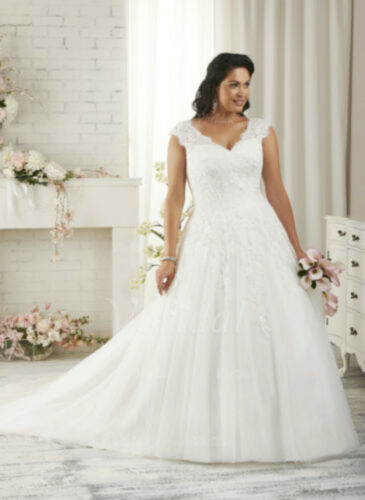 2017 Plus Size WhiteIvory Bridal Gown Vneck Wedding Dress Stock Size1426