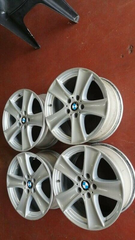 OEM 18 inches mags BMW wheels for sale still in Good conditions