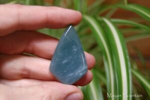 NATURAL-LIGHT-SNOWY-BLUE-GUATEMALAN-JADEITE-JADE-CAB-CABOCHON-OLMEC-DIAMOND