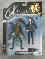 Todd McFarlane Productions X-Files Agent Dana Scully in Arctic Weather Gear with Alien Series 1 Toys