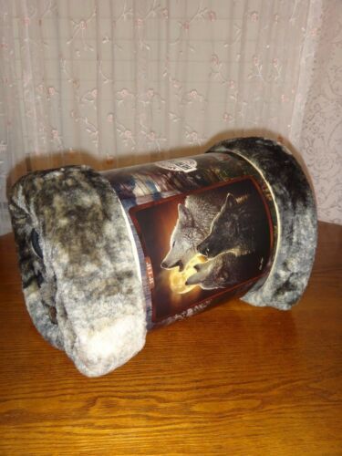 WOLF HOWLING WOLVES Royal Plush Raschel Throw Soft Silky Blanket 50 in x 60 in