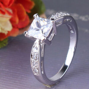 Engagement ring 18kt white gold filled band large lab Diamond inset size L12 - <span itemprop=availableAtOrFrom>Colchester, United Kingdom</span> - Engagement ring 18kt white gold filled band large lab Diamond inset size L12 - Colchester, United Kingdom