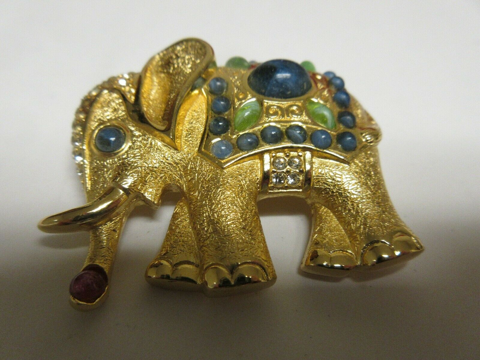 "Costume Jewelry , Pin / Brooch , Elephant , 2"" X 2"""