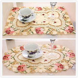 Blanco-de-Encaje-Floral-Tapete-Bordado-Comedor-Bar-Servir-Manteles-Individuales-Vajilla-Decoracion