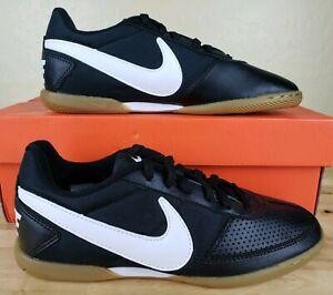 a65dfbef4 Nike Davinho Indoor Soccer Shoes Mens Size 4 Black White Leather