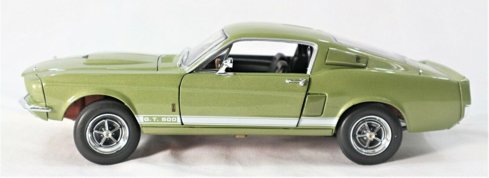 1967 SHELBY GT 500 DIE-CAST   18 SCALE modello auto   verde
