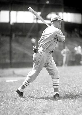 HALL OF FAME GREAT ROGERS HORNSBY ST LOUIS CARDINALS SNAGS LINE DRIVE 8 x 10