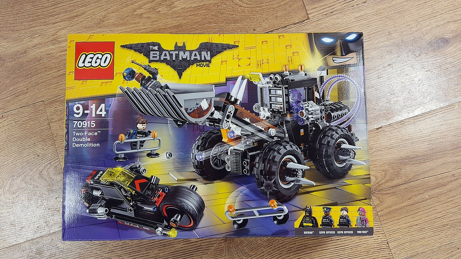 LEGO Batman Movie 70915 Two-Face Double Demolition (2017) New, Unopened, Great