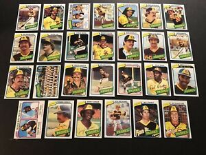 1980-Topps-SAN-DIEGO-PADRES-Complete-TEAM-Set-OZZIE-SMITH-Dave-WINFIELD-Fingers