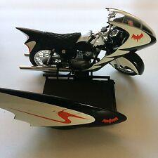 Hot Wheels DC Comics Batman & Robin Motorcycle Diecast Vehicle Toy Mattel (2009)