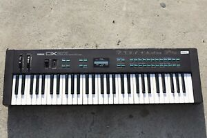 Yamaha-DX27-Synthesizer
