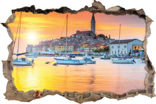 3D-Look Durchbruch Wandtattoo Aufkle Kroatische Hafenstadt bei Sonnenuntergang