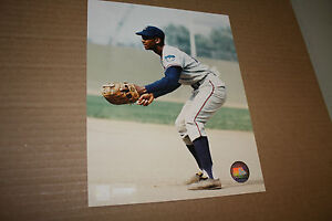 CHICAGO-CUBS-ERNIE-BANKS-UNSIGNED-8X10-PHOTO-POSE-4