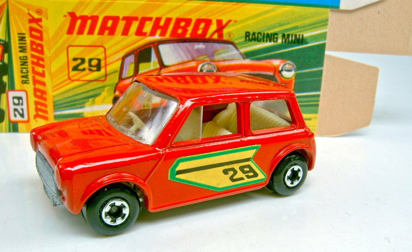Matchbox SF Nr. 29B Racing Mini d'rot rare center-cut Räder top in perfekter Box