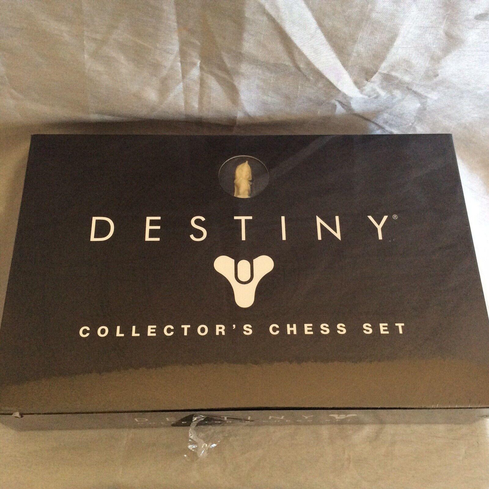 Destiny  Collector's Chesss Set NIB  risparmia fino al 30-50% di sconto