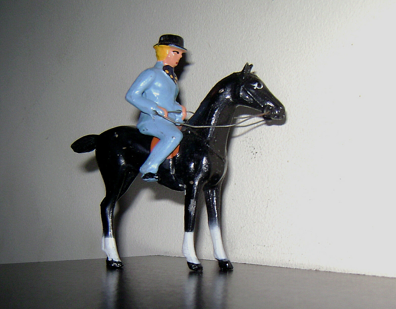 ALL NU LEAD AN30  WOMAN ON HORSE  Equestrienne Near Mint Condition. Free Ship.